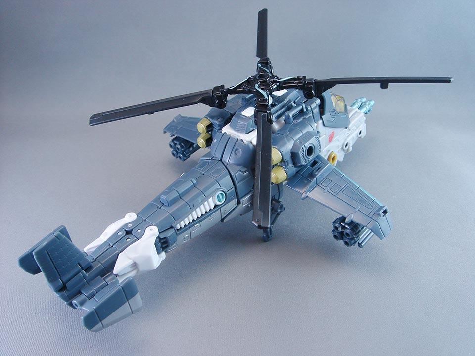 变形军用直升机.  变形很紧